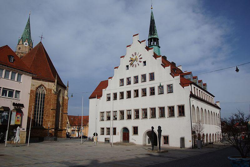 File:Rathaus Neumarkt in der Oberpfalz 002.JPG
