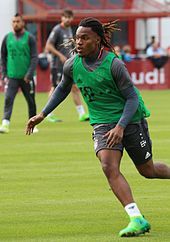 170px-Renato_Sanches_Training_2017-05_FC