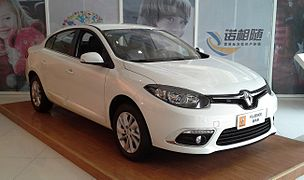 Renault Fluence facelift II China 2015-04-10.jpg