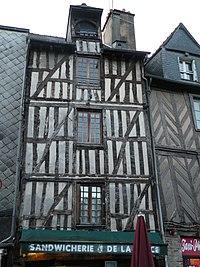Rennes 17placeSainte-Anne.jpg