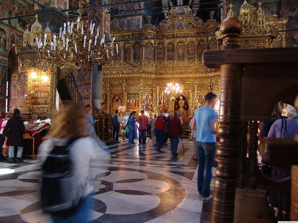 Monastère de Rila, intérieur de l'église (source : Wikipedia)
