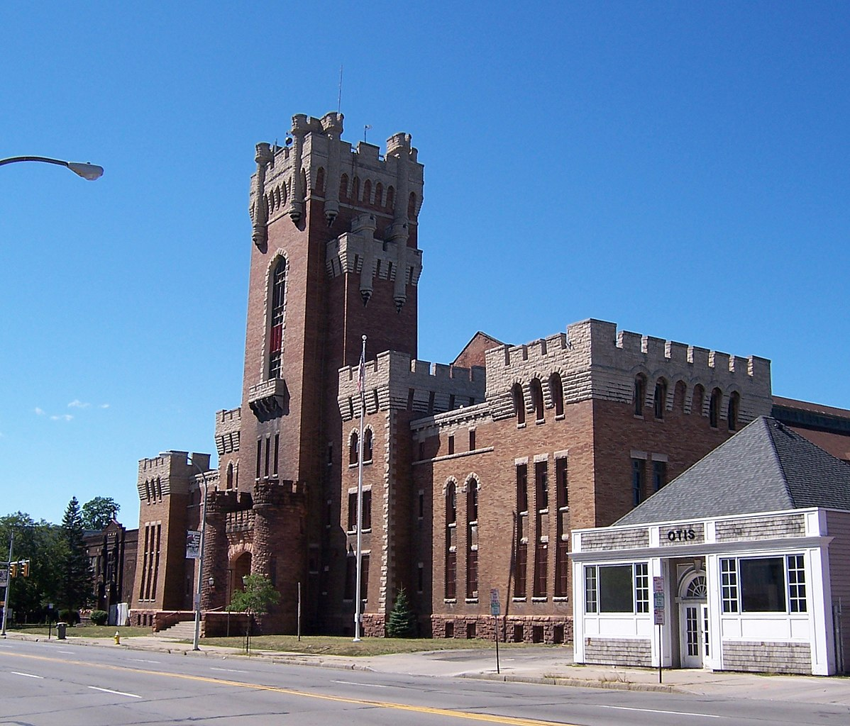 File rochester main street armory wikimedia commons for Home depot 600 exterior street