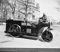 Rouleau compresseur sur la Grande Allee en 1929.jpg