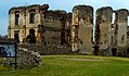 Ruiny zamku biskupow w Bodzentynie.jpg