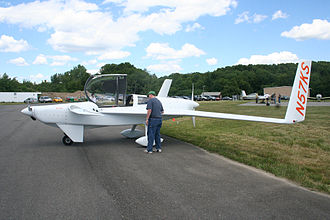 Push-pull configuration - Image: Rutan Defiant N57KS