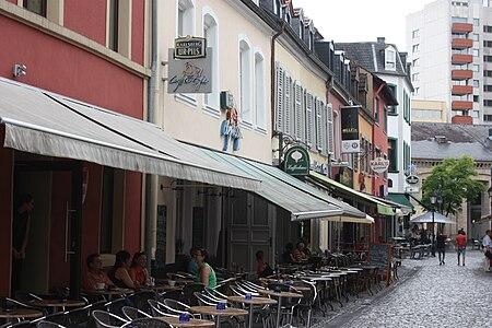 """Saarlouis, a raw of houses on the street """"Weißkreuzstraße"""", image 2.JPG"""