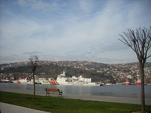 Büyükdere, Sarıyer - Coast Guard vessels docking before Büyükdere.