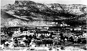 Santa Rita, New Mexico - Santa Rita in 1919 with mine in background