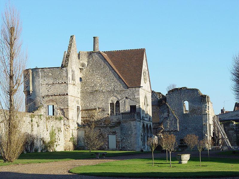 Fichier:Senlis - Château royal.jpg