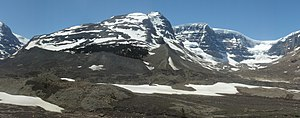 Snow Dome (Canada) - Snow Dome and Dome Glacier seen from the Icefields Parkway