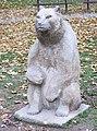 Sousoší Medvědí rodina v parku Folimanka v Praze (Q64815815) 02.jpg