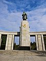 Soviet Cenotaph in Berlin-Tiergarten 04.jpg