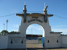 Photo de la porte d'entrée du stade Albert-Domec