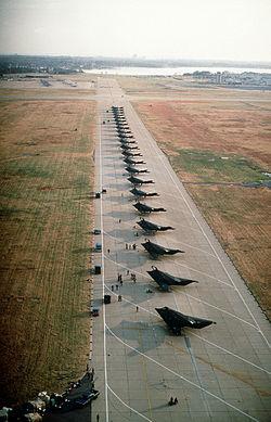 F 117 (航空機)の画像 p1_15