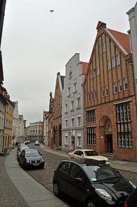 Stralsund, Fährstraße, Häuser (2012-03-11) 3, by Klugschnacker in Wikipedia.jpg