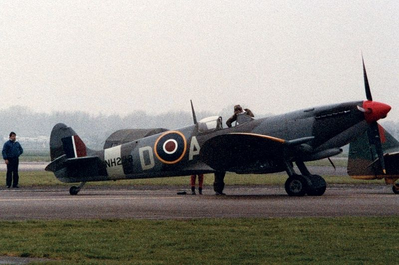 Ficheiro:Supermarine Spitfire 1985.jpg