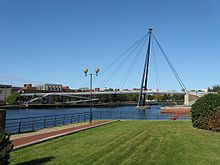 Teesquay Millennium Bridge from east bank.jpg