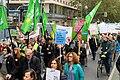 Teilnehmer der Demonstration für die Schließung Tegels (49064686133).jpg