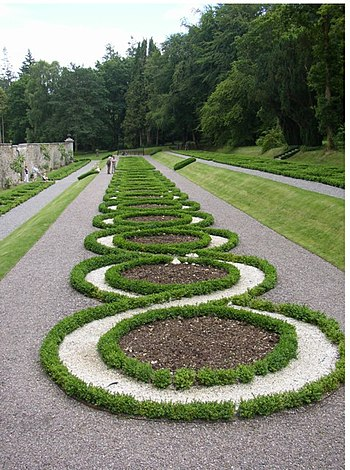 English: Terrace garden, Woodstock, Inistioge,...