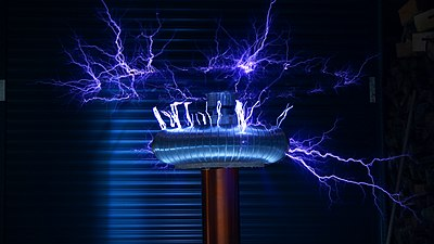 Tesla coil with a long-exposure.jpg