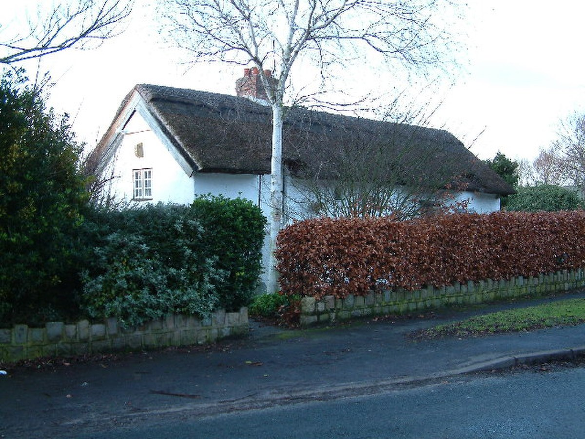 Thatched Cottage - geograph.org.uk - 99102.jpg