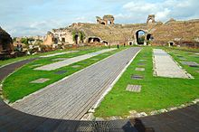 Anfiteatro campano (Santa Maria Capua Vetere). Probabilmente il primo anfiteatro costruito dai romani[12]
