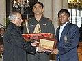 The President, Shri Pranab Mukherjee felicitates Shri Yogeshwar Dutt, the London Olympic Bronze Medal winner in Wrestling, at a function, in New Delhi on August 18, 2012.jpg