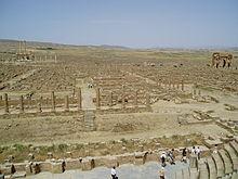 تيمقاد  المدينة الأثرية شرقي الجزائر  220px-Timgad15