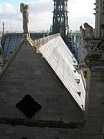 Toit de la cathédrale de Notre-Dame de Paris.jpg