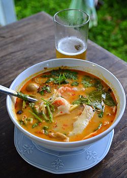 Tom yam kung maphrao on nam khon.jpg