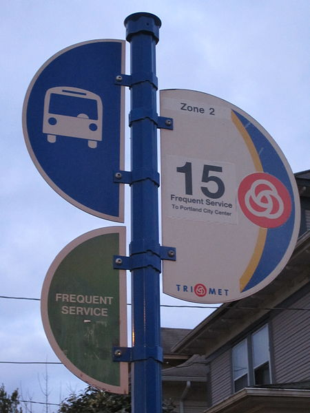 450px-TriMet_Number_15_bus_stop_sign,_Po