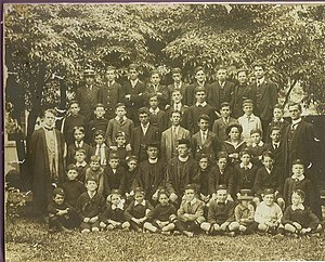 Trinity Grammar School (New South Wales) - The first school photograph, 1913