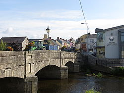 N81 crossing the River Slaney in the centre of Tullow