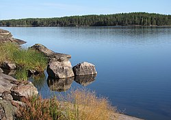 Typical rocky shores of Lake Saimaa.jpg