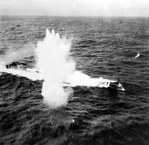 German submarine U-200 - Image: U 200 Luftangriff