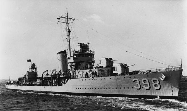 640px-USS_Ellet_%28DD-398%29_-_19-N-20352.jpg