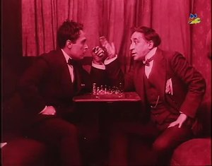 File:Una partita a scacchi (S. A. Ambrosio, 1912).webm