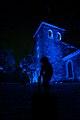 Uskelan kirkko Suomi 100v valaistuksessa ulkoa.jpg