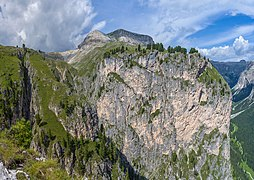 Valacia Ciastel de Stevia Col dala Pieres Val Gherdëina.jpg