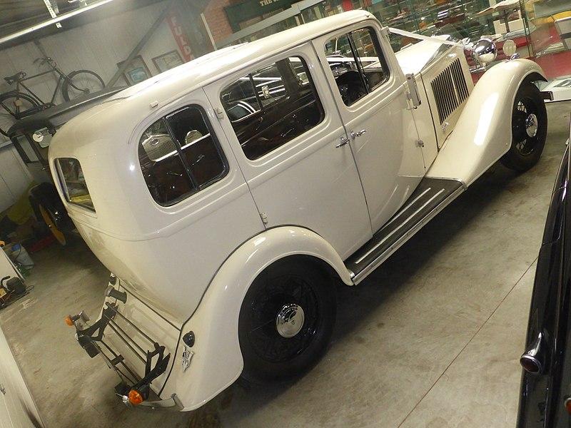 File:Vauxhall 14-6 (1934) (37772164541).jpg