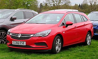 Vauxhall Astra - Image: Vauxhall Astra Mk 7 estate diesel registered January 2017 1598cc