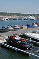 Vesiskoottereita Aurinkolahden venesatamassa.jpg