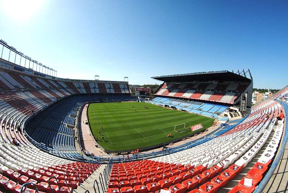 Vicente Calderón Stadium by BruceW