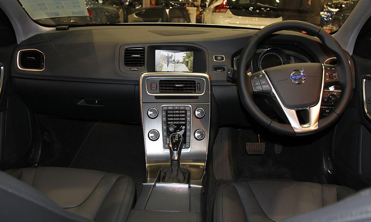 File:Volvo S60 T4 SE interior.jpg - Wikimedia Commons