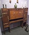 WLA brooklynmuseum Gustav Stickley Desk ca 1904.jpg