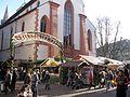 Weihnachtsmarkt in Freiburg, Franziskanerstraße.jpg
