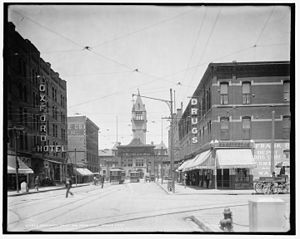 Denver Union Station - Looking down 17th Street towards the second Union Station building and the Mizpah Arch, circa 1908.