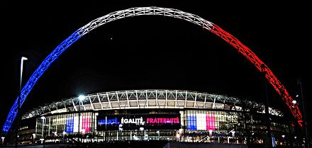 Le stade de Wembley aux couleurs de la France.