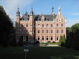 Westerlo - Image: Westerlo, stadhuis foto 6 2009 08 30 09.29