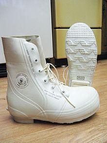 Bunny boots - Wikipedia